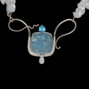 C4082 Rough Aquamarine Pendant