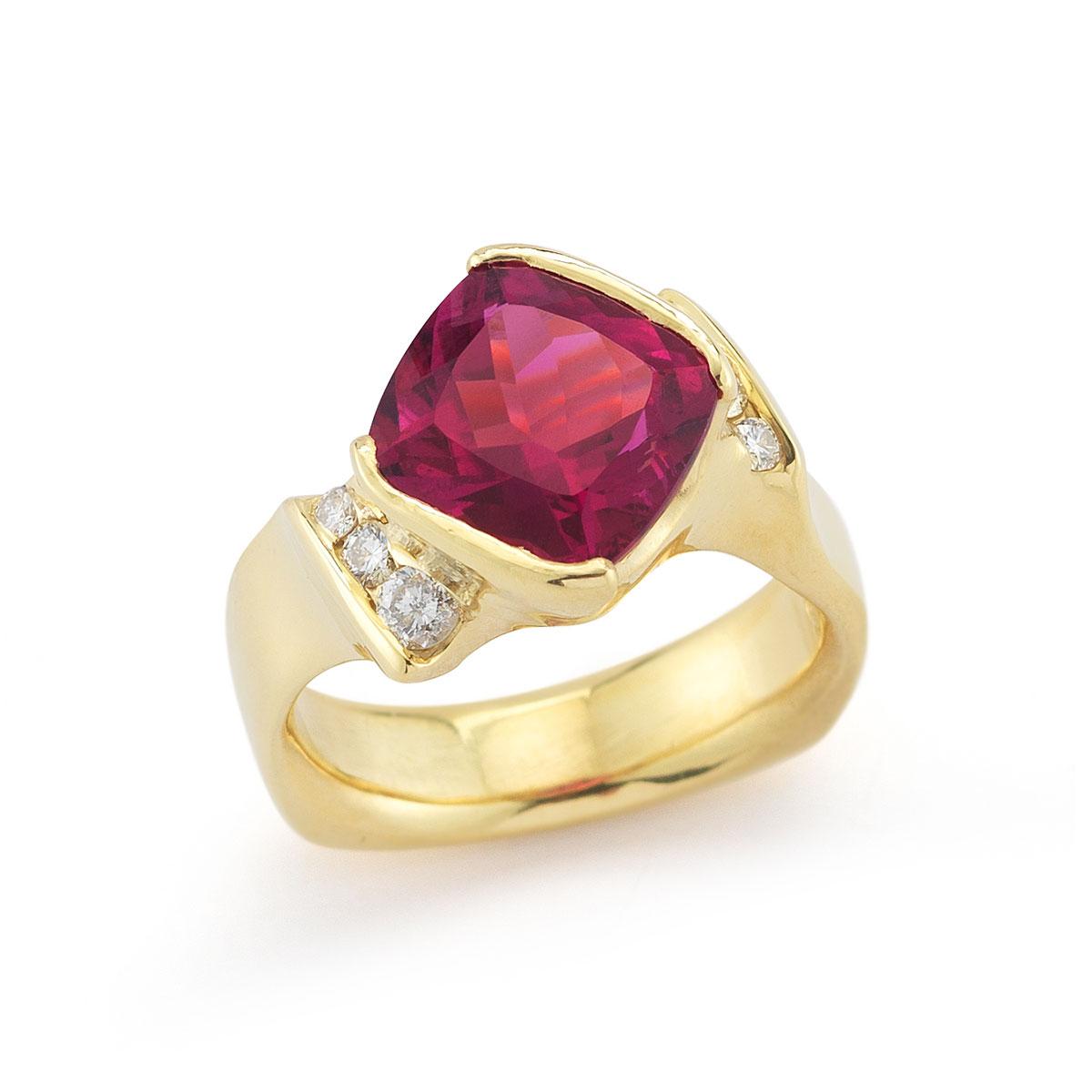 IND0979 Rubellite Tourmaline Ring