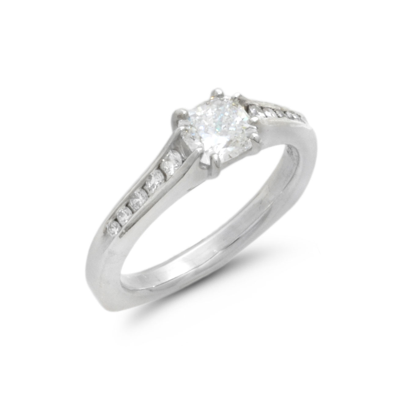 IND1000 Cushion Cut Diamond Ring