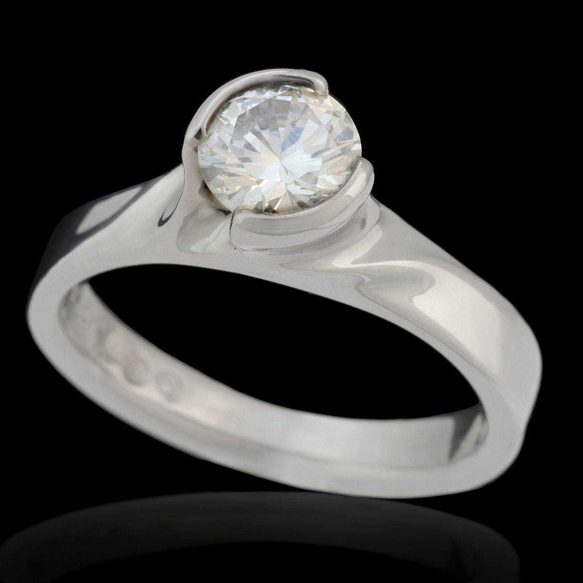 WR0121 Twist Engagement Ring
