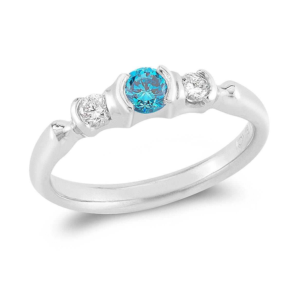 WR0213 Three Stone Fashion Ring
