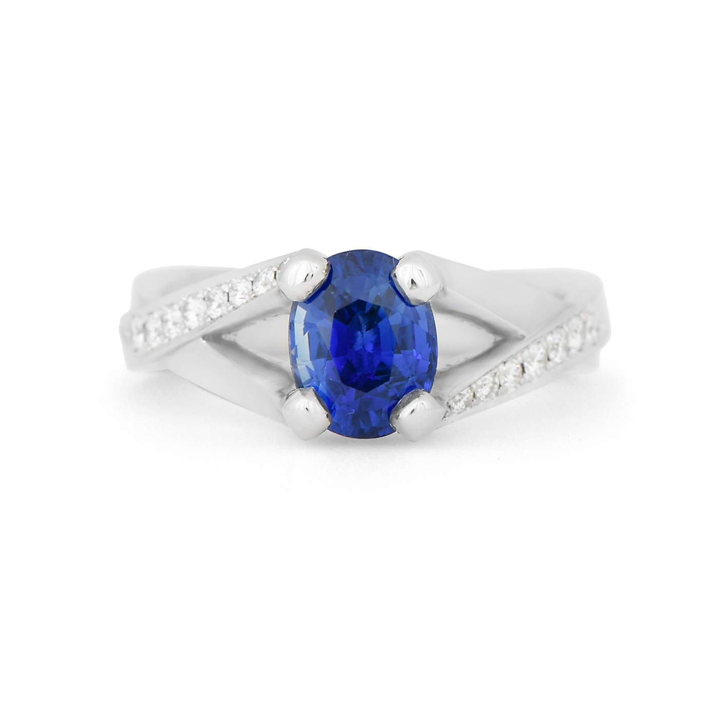 Oval sapphire and diamond ring c8584 dejonghe original for Sapphire studios jewelry reviews