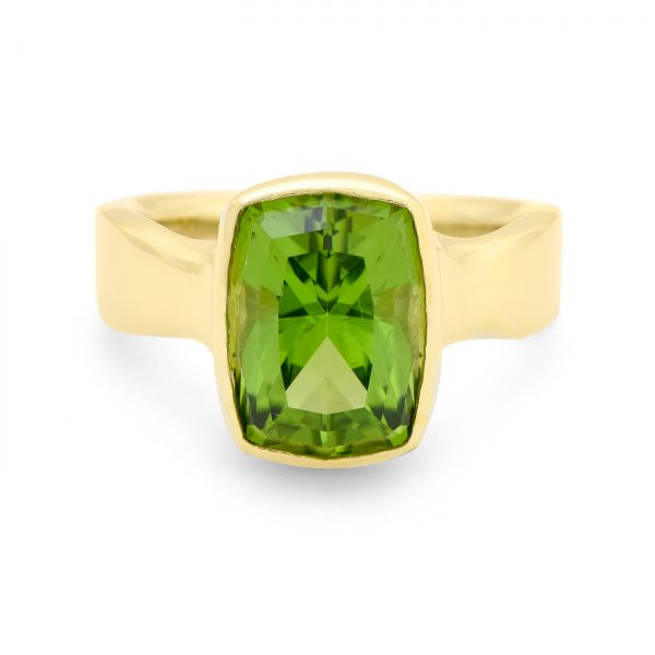 Peridot yellow gold ring