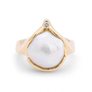 Baroque Pearl yellow gold ring